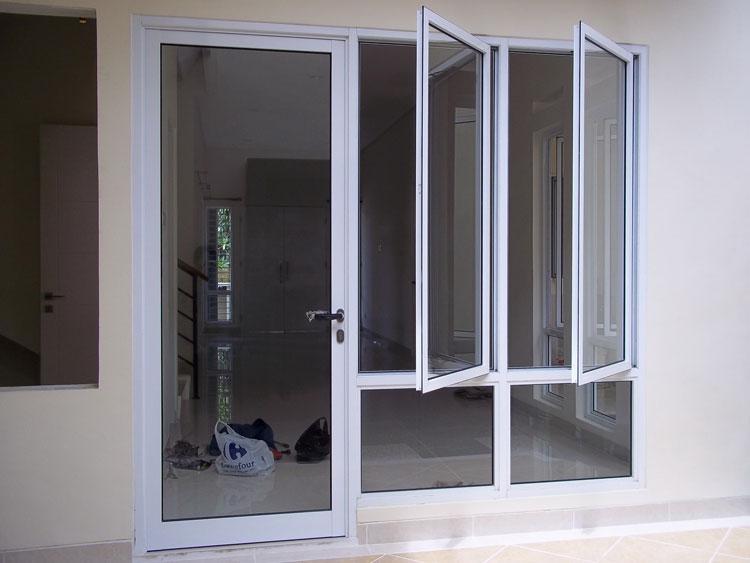 pintu minimalis depan
