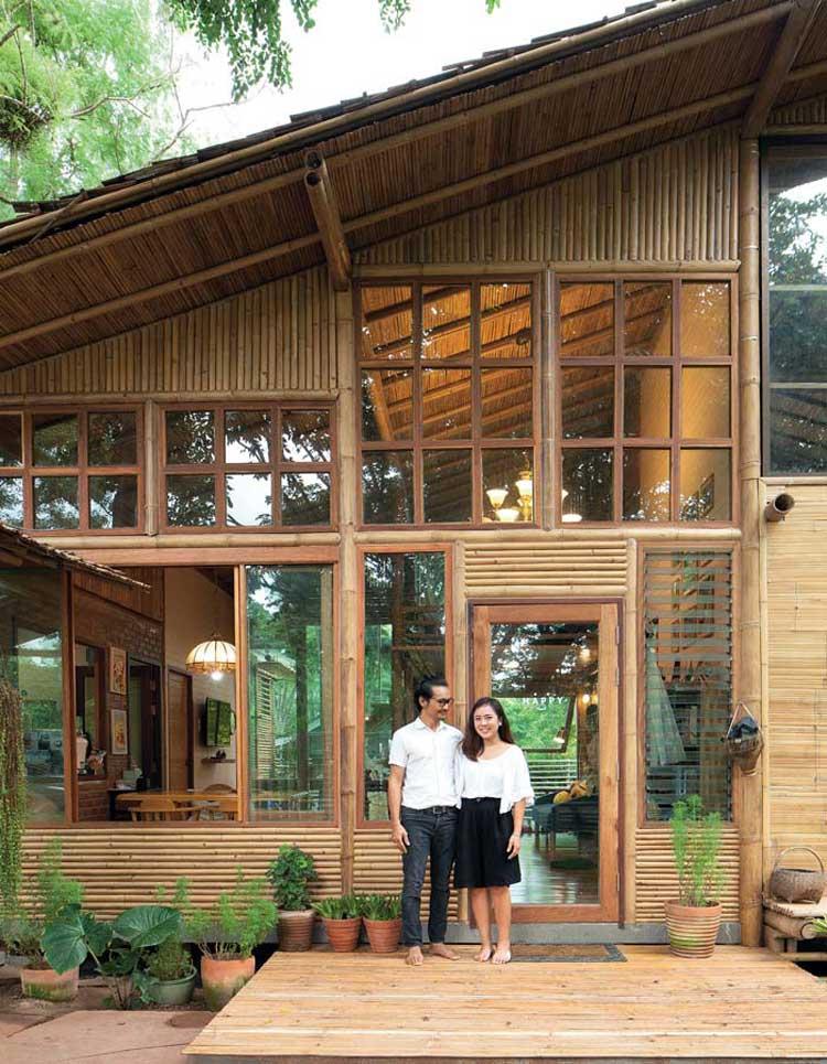 rumah bambu bekasi