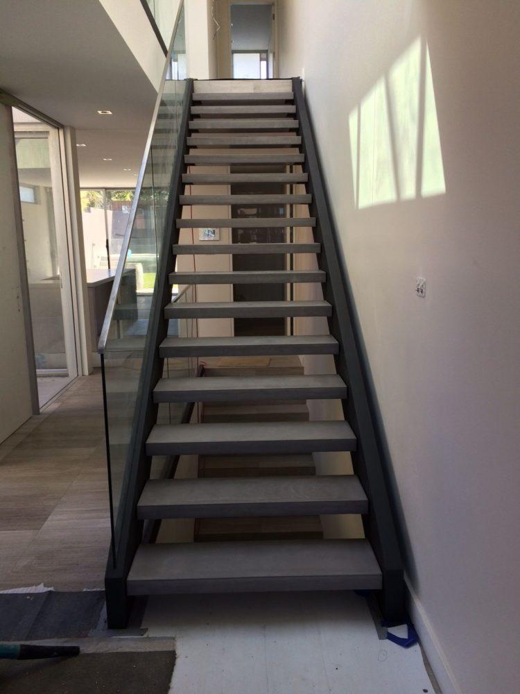 gambar tangga beton sederhana